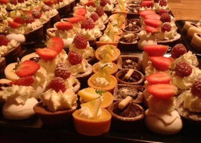 gallery-dessert-sweet-canapes-foxes-catering