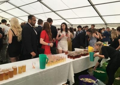 gallery-outdoor-event-drinks-foxes-catering